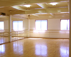 TAKAYO BALLET SCHOOL